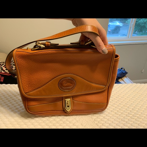 Dooney & Bourke Handbags - Dooney & Bourke shoulder bag